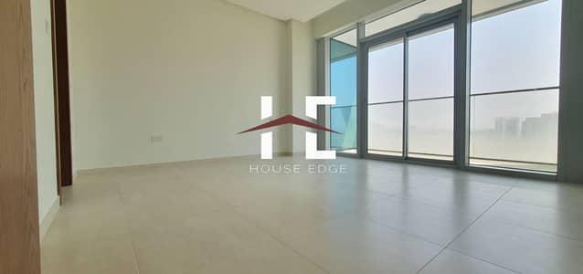 فلیٹ 1 غرفة نوم للايجار في دانة أبوظبي، أبوظبي - Brand New Apartment with Built-in Appliances | Laundry room| Balcony
