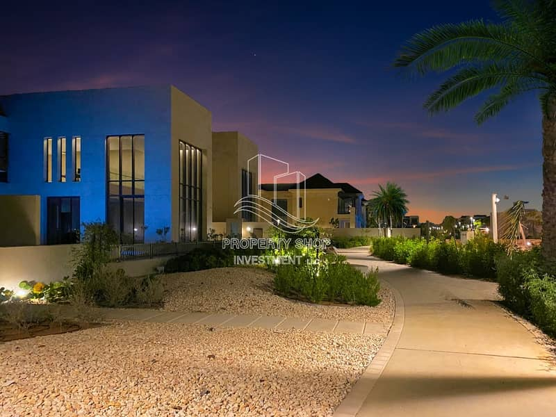 26 Simply Stunning! Luxurious Villa With Tranquil Sea View