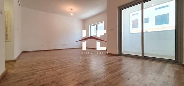 فلیٹ 3 غرف نوم للايجار في روضة أبوظبي، أبوظبي - Exquisite  3 BHK with Wooden Flooring + Maid Room..