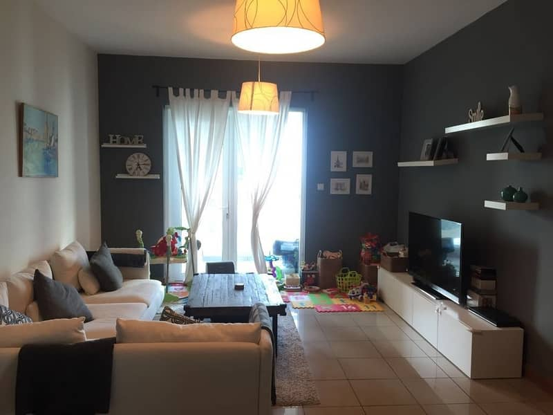 2 Specious apartment with partial sea view