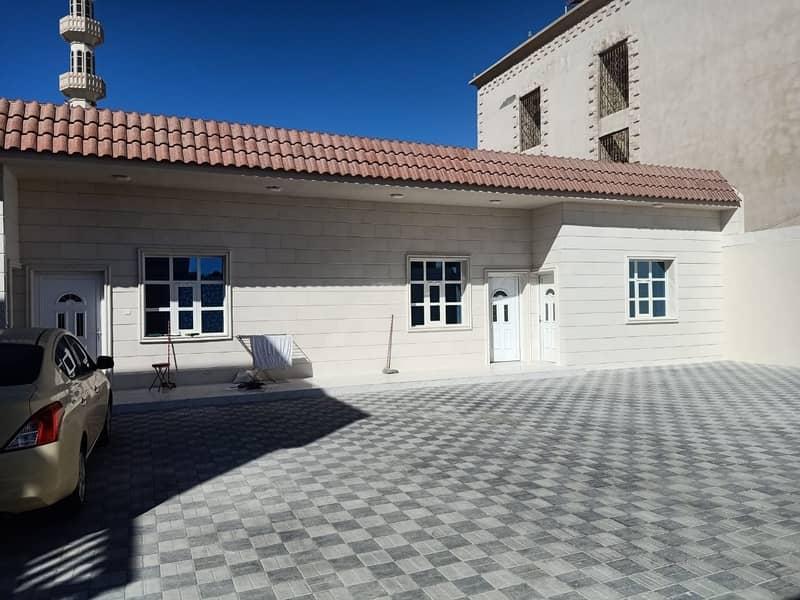 Modern huge villa for sale!