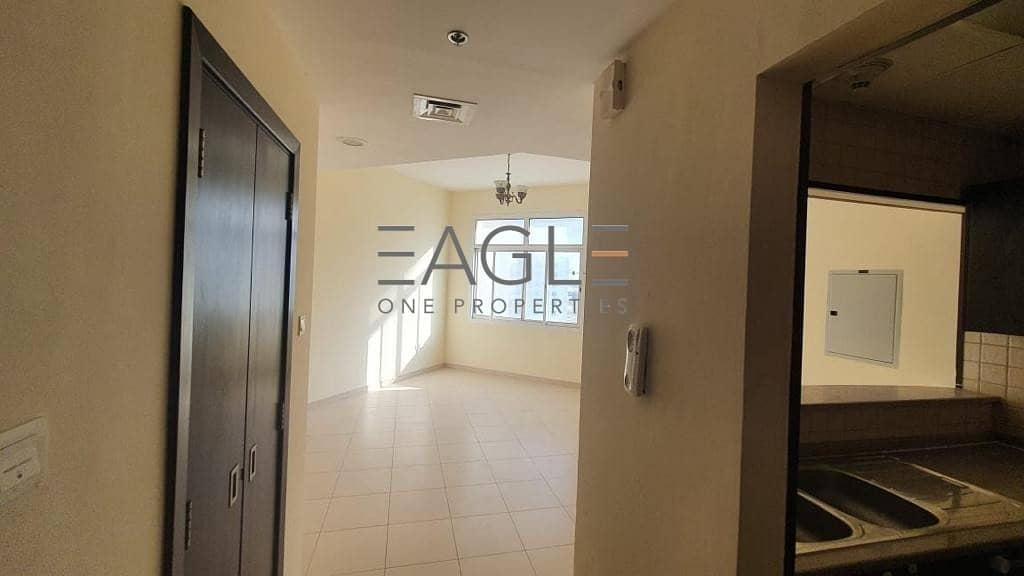 2 Huge  and Stunning 1 BR | Balcony | Liwan Queue Point
