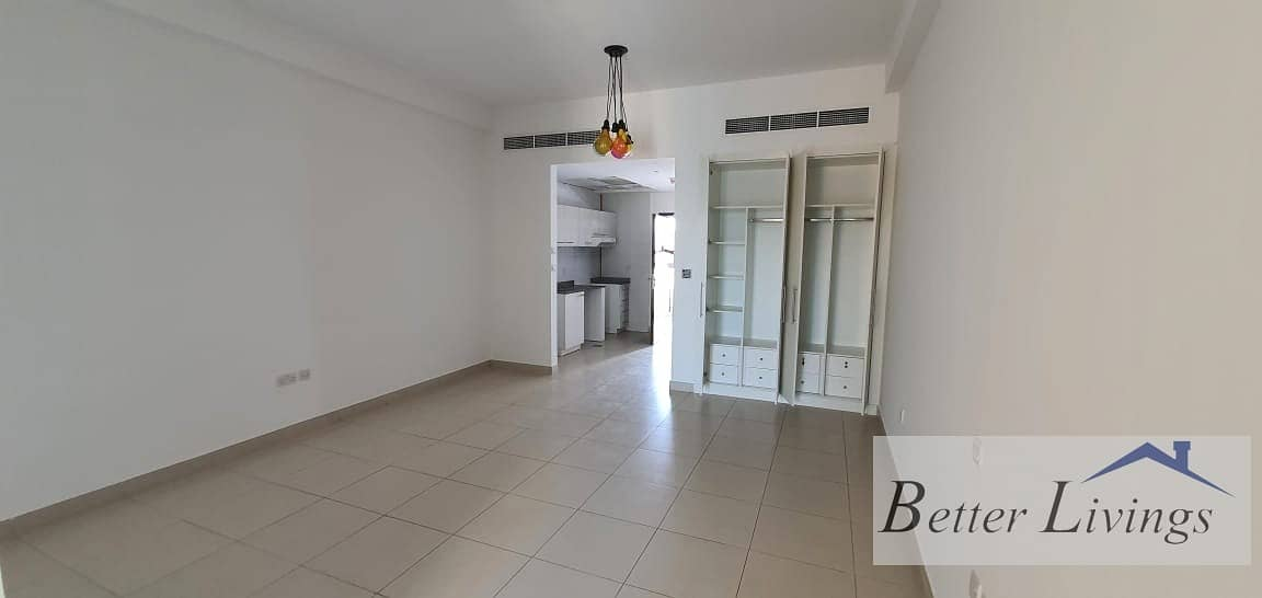 2 STUDIO WITH BALCONY 26999 ON 4 CHEQUES