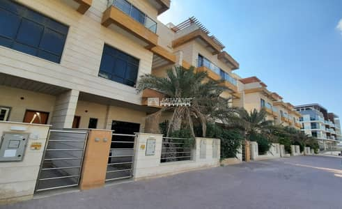 4 Bedroom Townhouse for Rent in Jumeirah Village Circle (JVC), Dubai - Brand New 4 BR Villa || Maids room || Roof Terrace