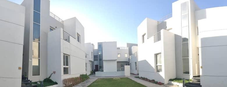فیلا 4 غرف نوم للايجار في مردف، دبي - فیلا في أب تاون مردف مردف 4 غرف 90000 درهم - 4965125