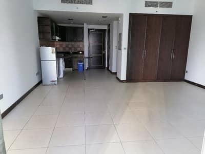 استوديو  للايجار في أبراج بحيرات الجميرا، دبي - شقة في برج إنديغو أبراج بحيرات الجميرا 38000 درهم - 4965232