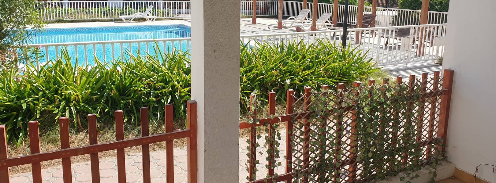 12 3 BED CHARMING CUTE VILLA WITH PRIVATE GARDEN AND SHARED POOL IN JUMEIRAH 2