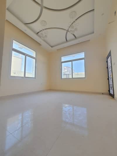 5 Bedroom Villa for Sale in Al Yasmeen, Ajman - Ready villa for sale large areas