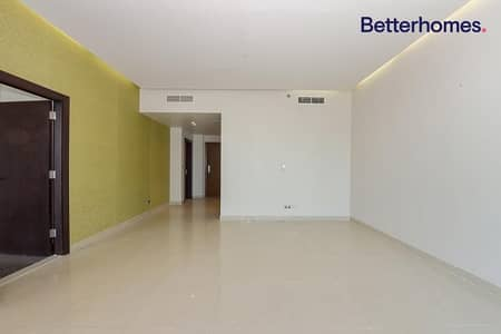 1 Bedroom Apartment for Rent in Business Bay, Dubai - Spacious One Bed| Balcony |Bright apartment