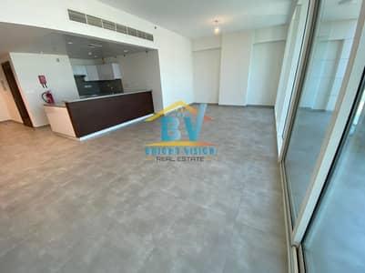 شقة 2 غرفة نوم للايجار في شاطئ الراحة، أبوظبي - Living Excellence Modern  2Bhk Sea View  with Maids and Balcony