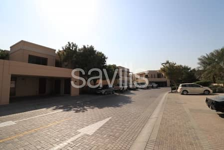 5 Bedroom Villa for Sale in Muwaileh, Sharjah - Vacant 5 bed PLUS with big plot in Phase 1