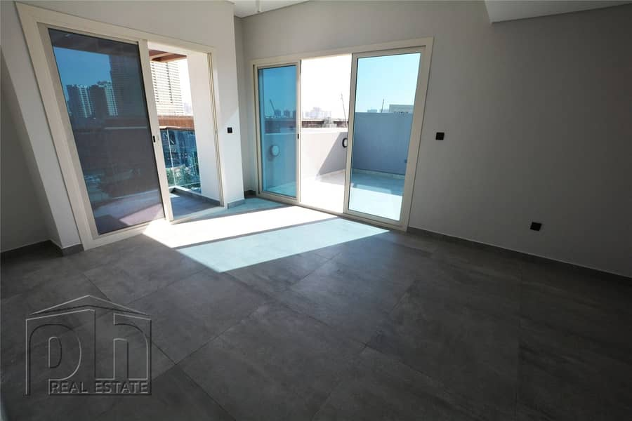2 Private Terrace | Brand New | Clean Finish