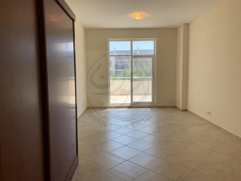 8 Extremely Well Maintain 2BHK Green View