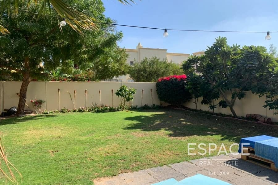 2 Available 18th March | Excellent Condition | Corner Unit