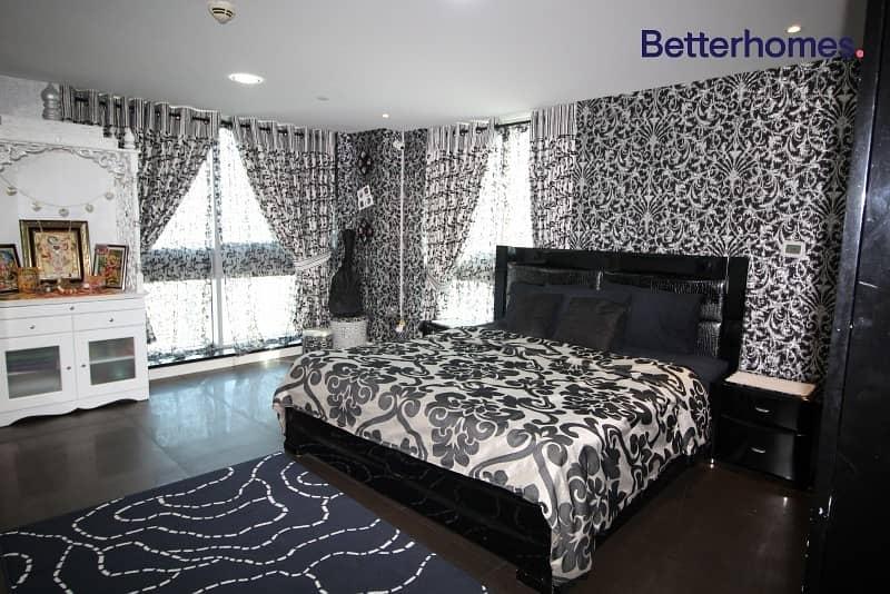 18 A Large Rare Duplex Apartment