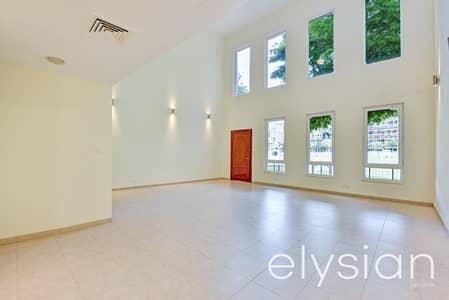 4 Bedroom Villa for Sale in Motor City, Dubai - 3 Storey Spacious  Villa with  Green Views