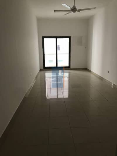 Studio for Rent in Deira, Dubai - BIG STUDIO AVAILABLE  IN DEIRA -NAIF OPPOSITE  TO NAIF  POLICE STATION-TWO MONTHS FREE