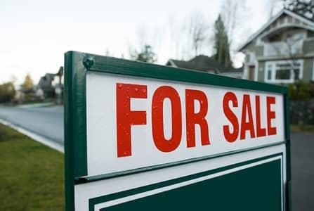 مبنی تجاري  للبيع في مويلح، الشارقة - للبيع بناية  21 استوديو 4 محلات فى مويلح الشارقة السعر 3,6 مليون قابل للتفاوض