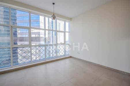 استوديو  للايجار في الخليج التجاري، دبي - Elegant studio / Multiple options / 4Chqs