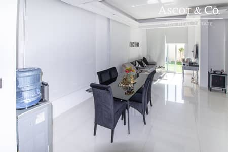 UPGRADED THROUGHOUT 2 Bed Villa  Springs