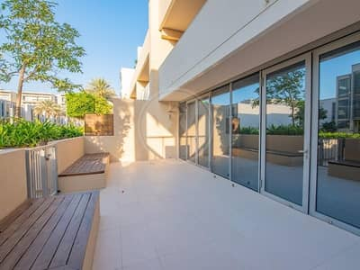 3 Bedroom Townhouse for Sale in Al Raha Beach, Abu Dhabi - Beautifully upgraded TH in beachfront community
