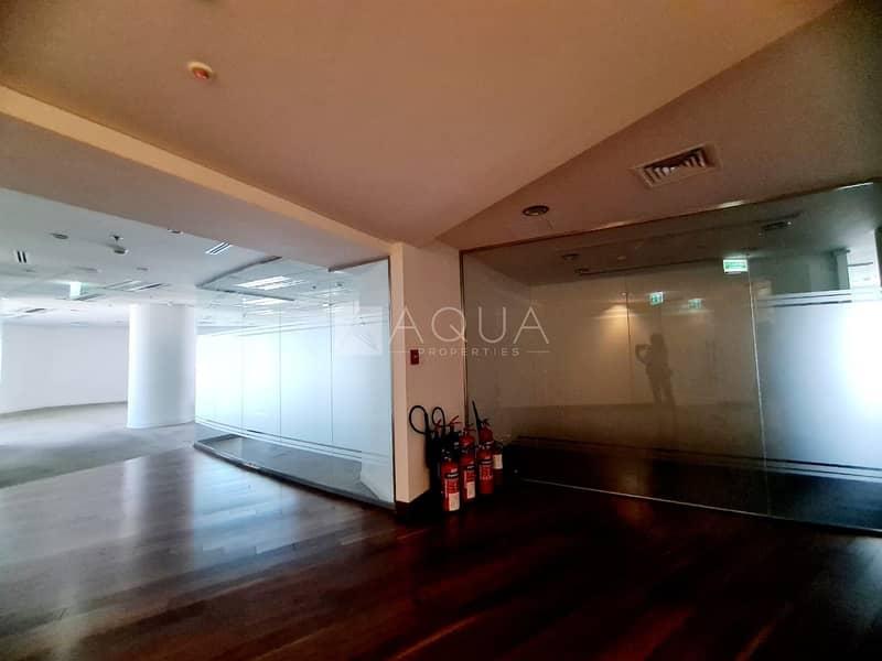 15 Full Floor  | 20 Partitions | Near Metro