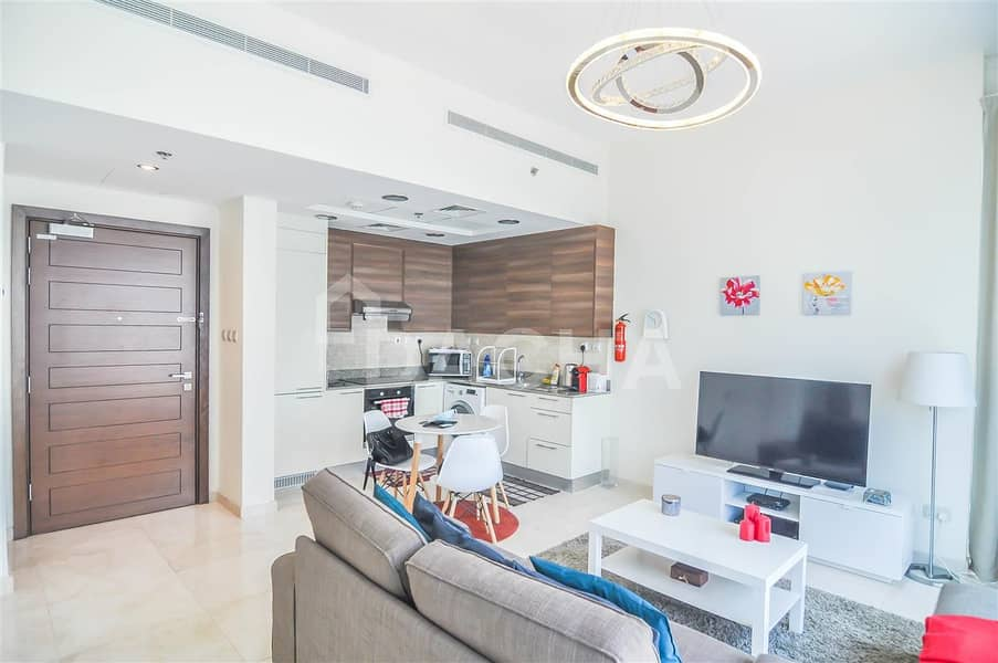 25 Furnished / / 1 Bed with Canal View