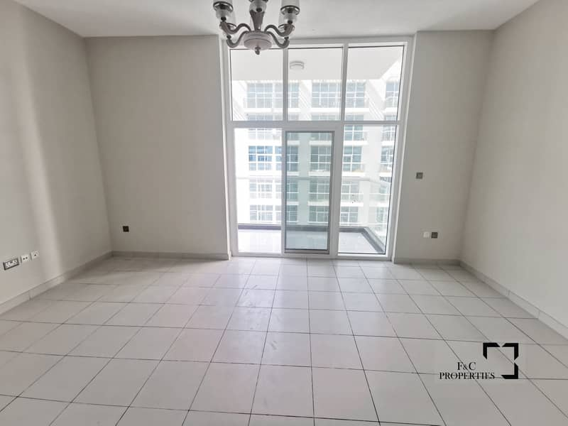 2 Vacant | Large Balcony | High floor