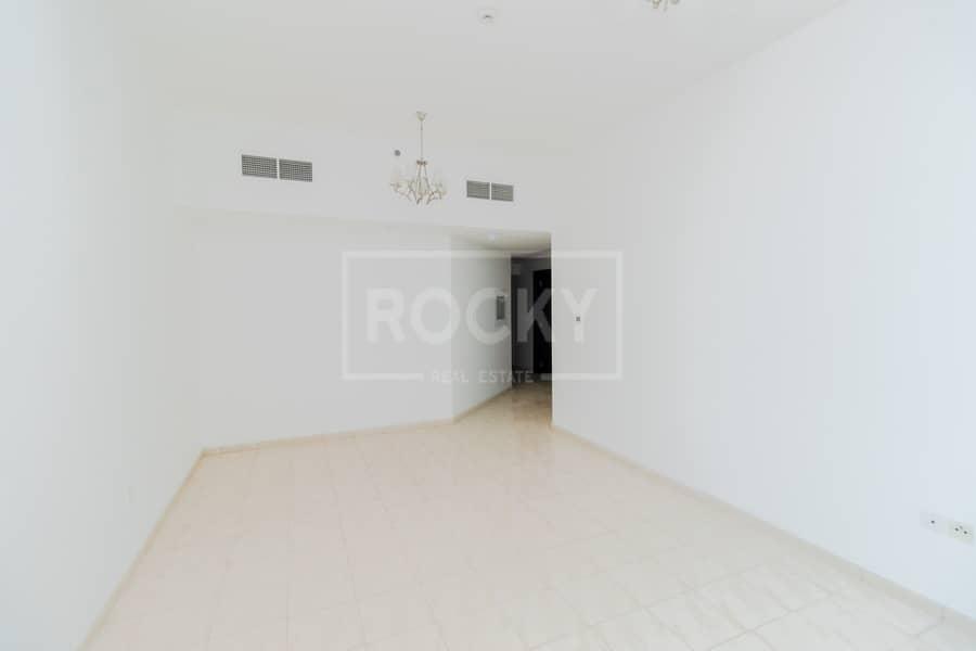 2 Exclusive|2 Bedroom|Vacant|Pool View