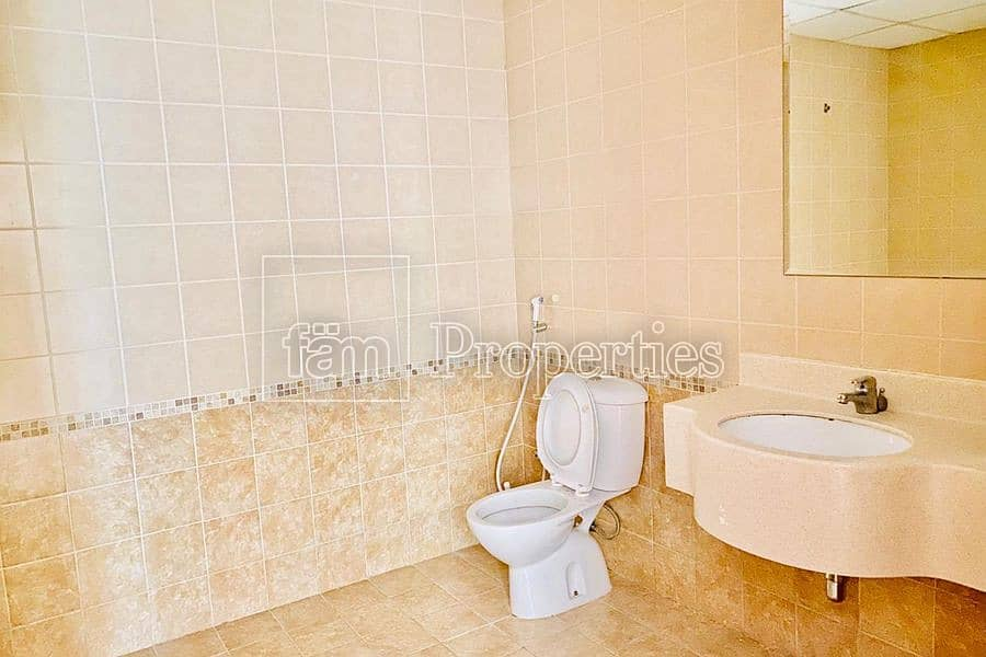 9 Well maintain 2 Bedroom Apartment with Easy Viewing