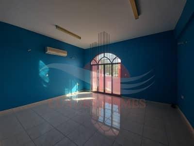 شقة 3 غرف نوم للايجار في النیادت، العین - Magnificent with Maids Room at Prime Location