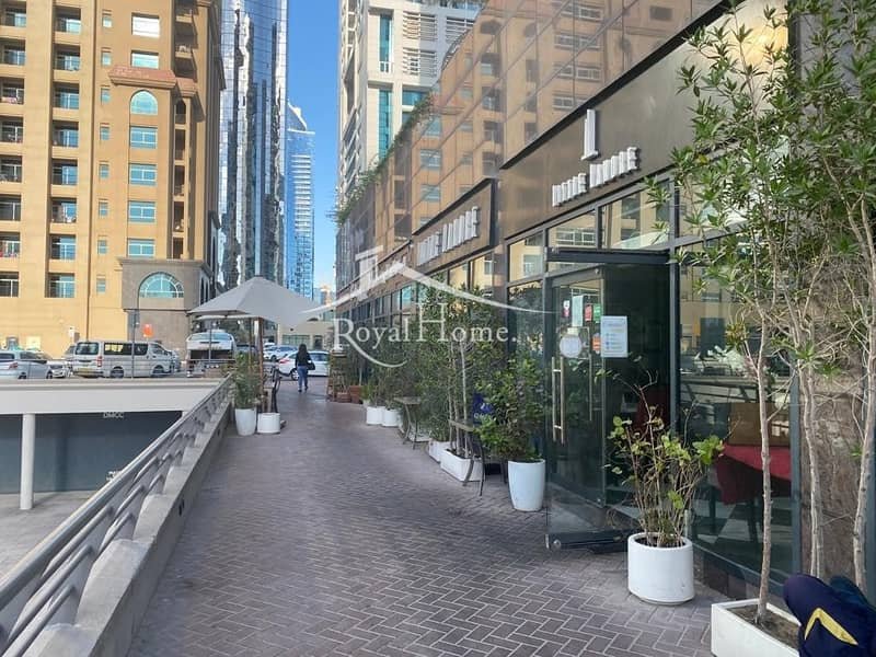 Shop in JLT perfect for restaurant