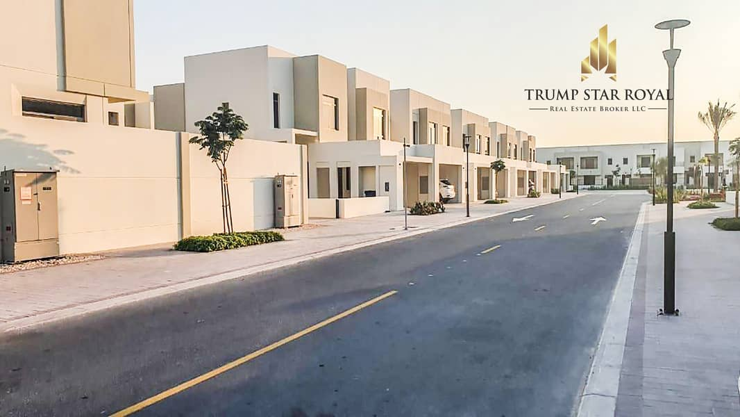 Amazing Layout | Near to Pool | 3Br+M | Townhouse