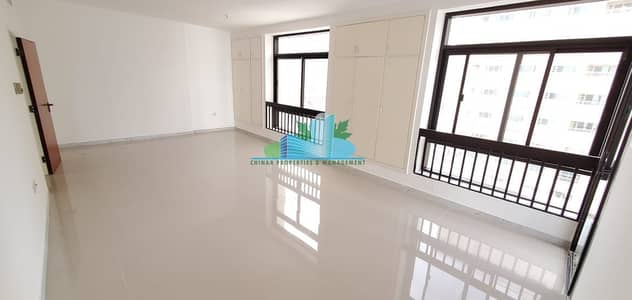 3 Bedroom Apartment for Rent in Tourist Club Area (TCA), Abu Dhabi - Unspotted Pristine 3 BHK with Maid-room | Ready to move!
