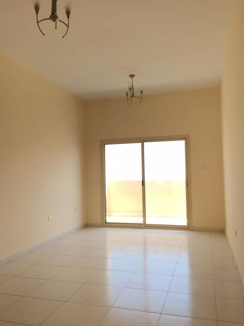 AMAZING OFFER!! 1BHK LAVENDER TOWER WITH PARKING FOR SALE EMPTY UNIT HIGHER FLOOR