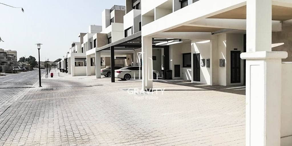 2 Immense 3BR Townhouse in Faya Bloom Gardens