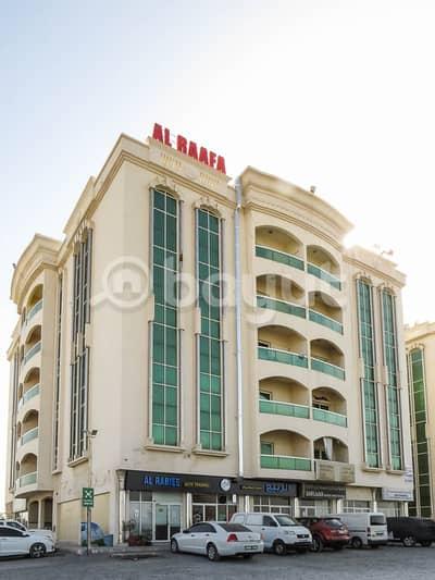 فلیٹ 2 غرفة نوم للايجار في السلمة، أم القيوين - بدون عمولة !!!! شقة مناسبة للايجار ضمن مبنى عائلي  في ام القيوين .