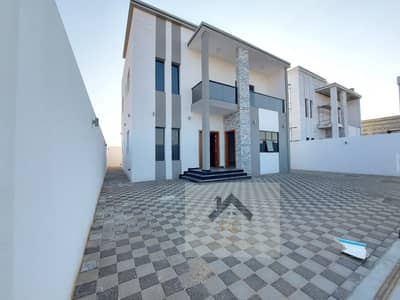 5 Bedroom Villa for Sale in Al Yasmeen, Ajman - A modern designed villa for sale in one of the best area's of Ajman with an outstanding decoration