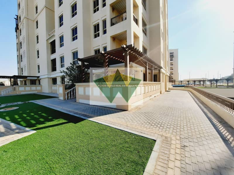 2 Safe And Secured 3 Master Bedroom Residence Apt with Maid Room