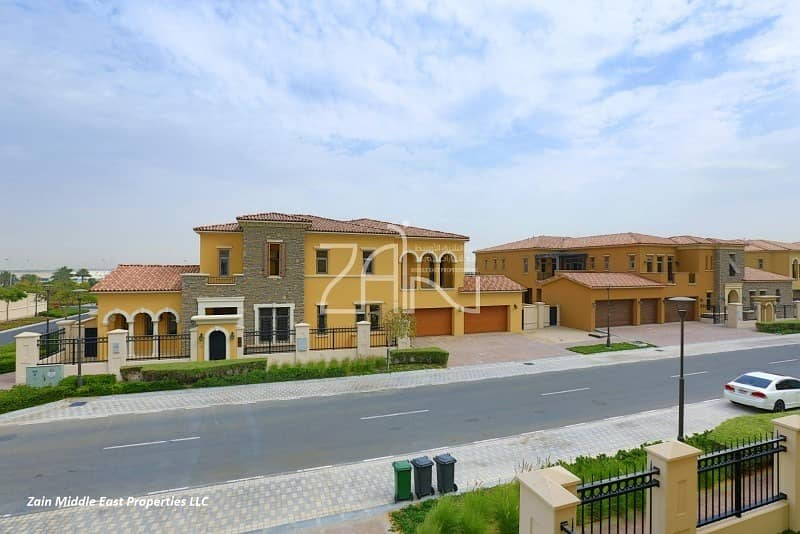 High Standard 5 BR Villa Executive Great Location