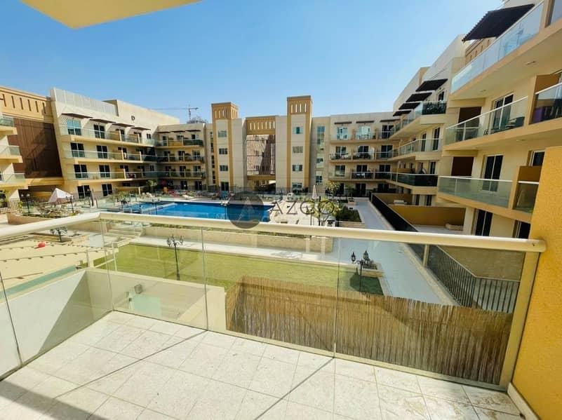 10 Pool View Studio| Huge Balcony| Kitchen Appliances