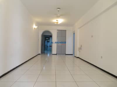 شقة 2 غرفة نوم للايجار في بر دبي، دبي - Spacious 2BHK  Opp SFC Plus burdubai Rolla