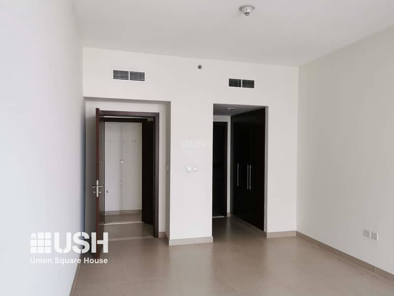 2 Huge 1Br Apt with High Floor with Community View