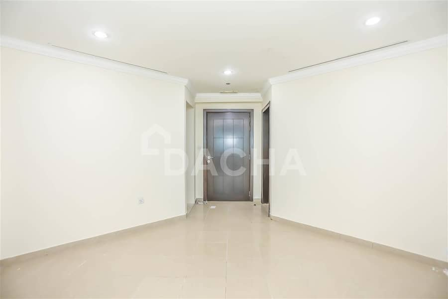 24 Large 3 Bed // High Floor // Sea View
