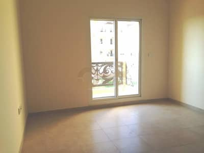 1 Bedroom Flat for Sale in Remraam, Dubai - Steal Deal| Exquisite 1bed| Open Kitchen| Remraam
