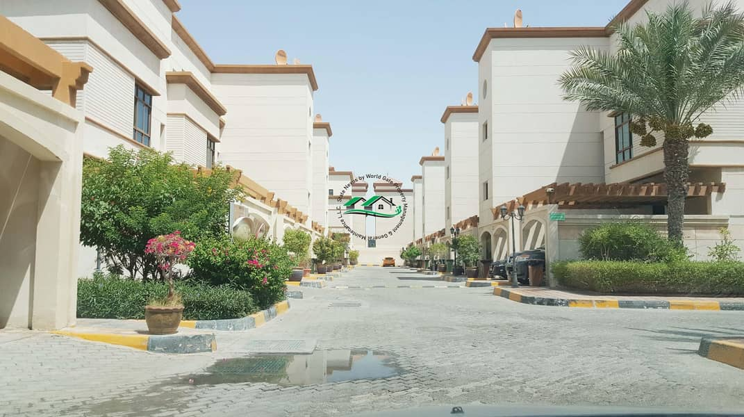 Luxurious & Lavish 2 BR Apt. W/ Parking|Gym+Pool in Khalifa