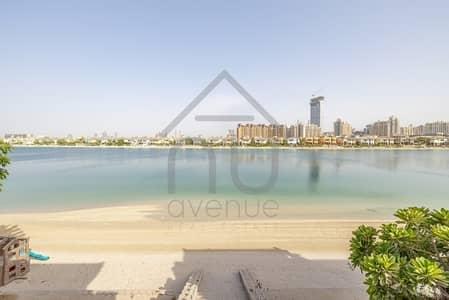 5 Bedroom Villa for Sale in Palm Jumeirah, Dubai - Atrium Entry | 3 Storey (G+2) | Open Waters
