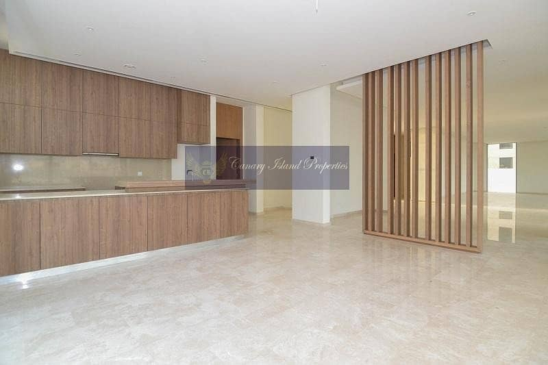 2 Modern Style on Golf Course   Large Plot
