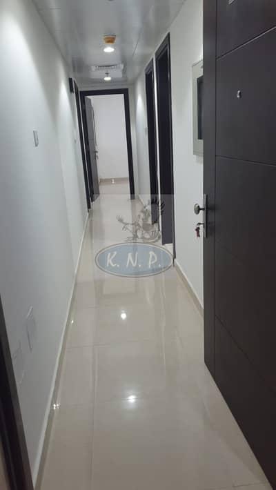 فلیٹ 1 غرفة نوم للايجار في شارع حمدان، أبوظبي - Brand New 1 Bedroom Flat Only for AED 45000/-