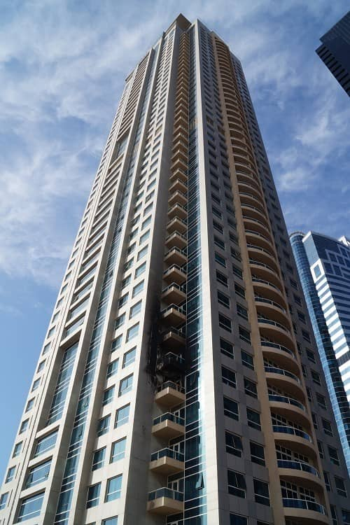 2  Lake Point Tower 36000/-